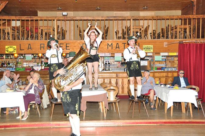 Nasbinals 48-2011-orchestre bavarois-orchestre de variété 2