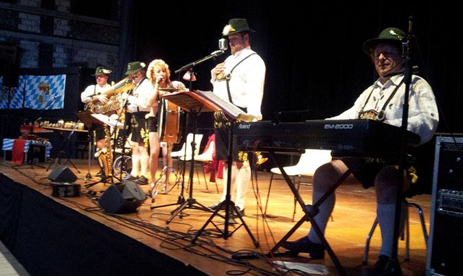 Troyes - 10-2012-orchestre de variété 6